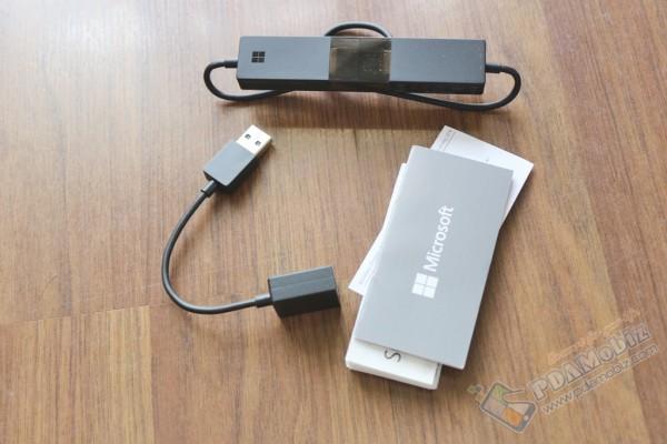Microsoft-Wireless-Display-Adapter-004