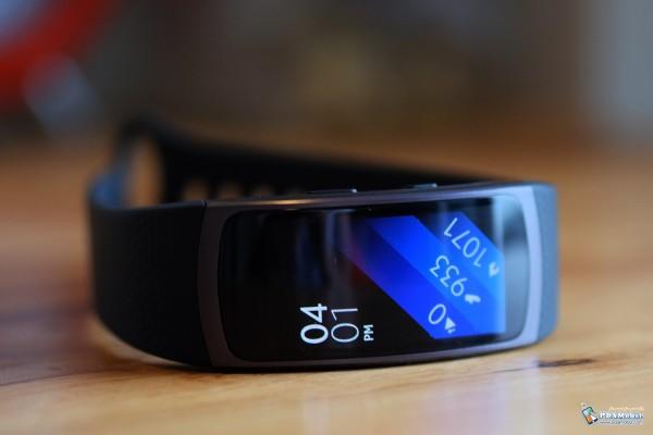 Samsung-Gear-Fit-2-002
