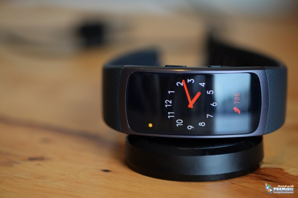 Samsung-Gear-Fit-2-011