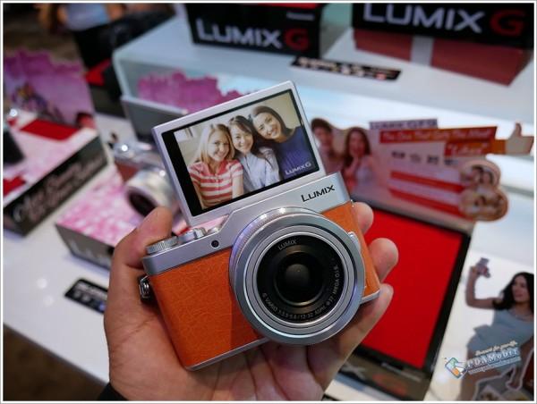 Lumix GF9 1