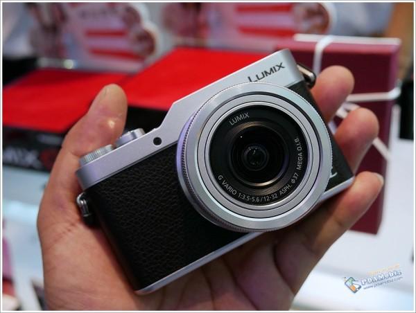 Lumix GF9 2