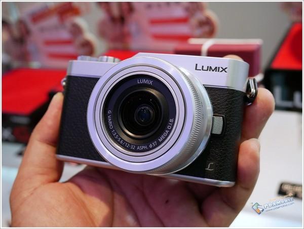 Lumix GF9 3
