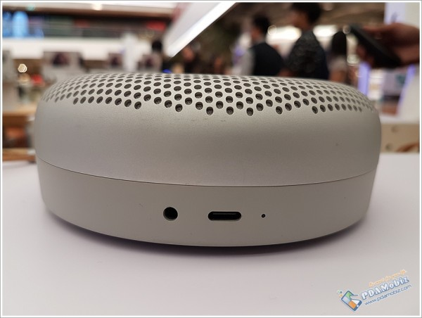 Beoplay P2 9